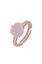 Ring mit ovalem Schmuckstein rosa